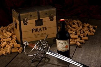 2011 Pirate Treasured bottle ea